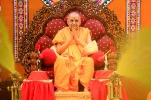 P.P.shri Pramukh swami maharaj at Sarangpur on Phool dol utsav(2008)