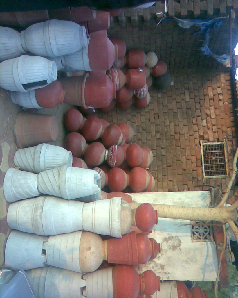 make your head , rotate to see the  pots..