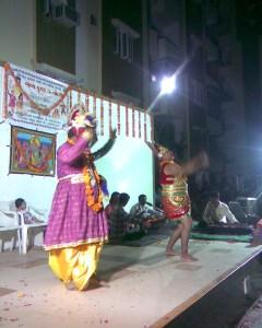 """Nandbaba"" is also enjoying dance with ""hanumanji"""
